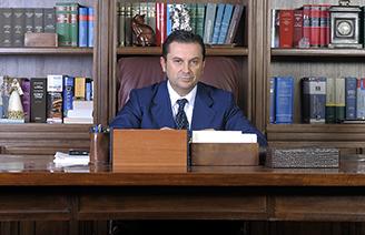 Avvocati e famiglia for Scrivania avvocato